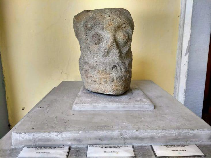 Calavera del Dios de los muertos en el museo de la ciudad de veracruz Coronel Manuel Gutiérrez Zamora