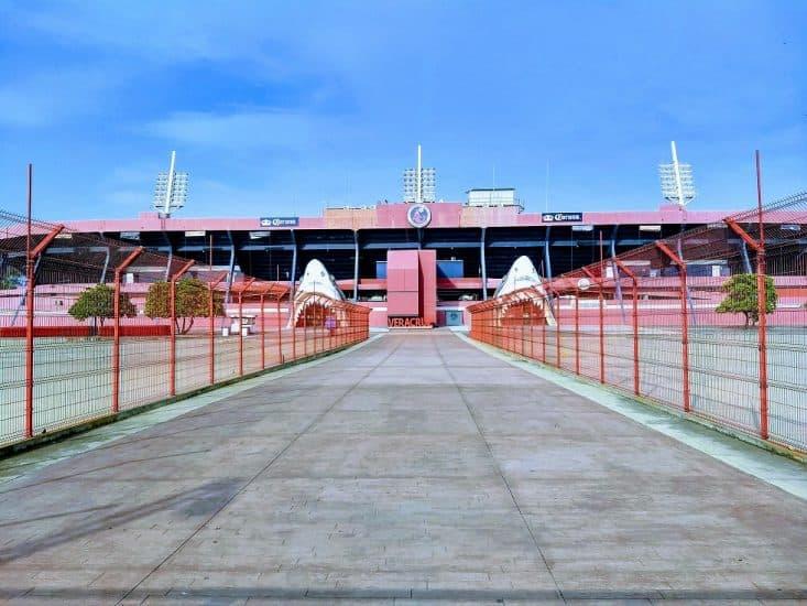 Estadio de Futbol Luis «el Pirata» Fuentes