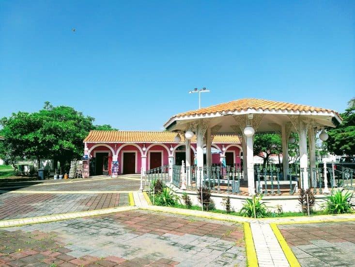 Kiosko Tlacotalpan del Parque Reino Mágico en Veracruz