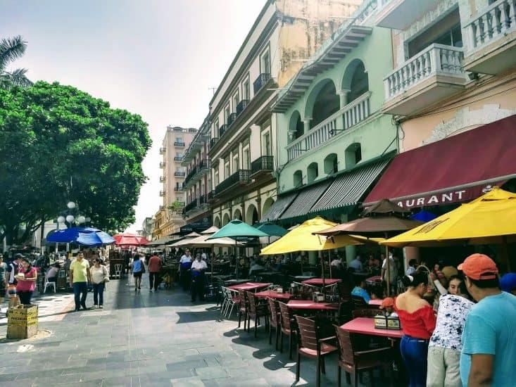 Los portales de Lerdo en el Zócalo de Veracruz