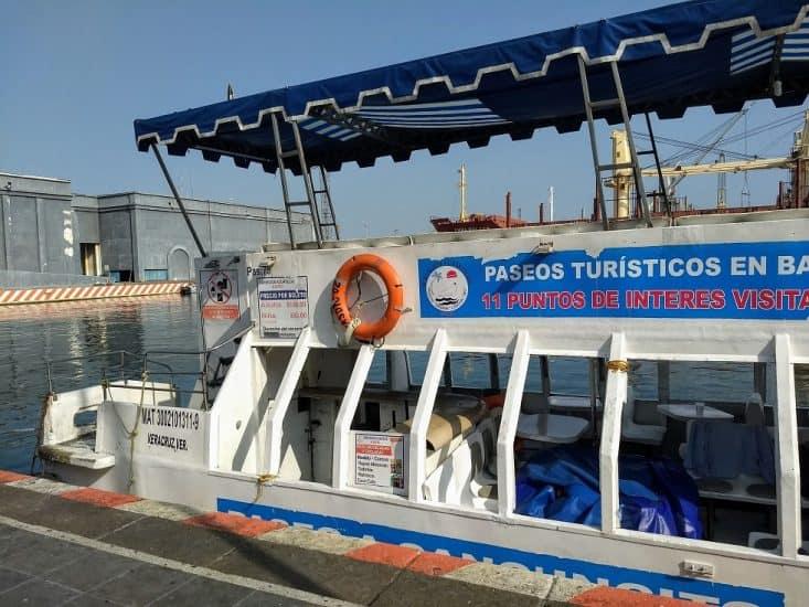 Paseo en embarcacion en el Malecón de Veracruz