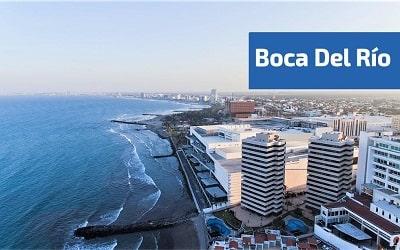 Vista area de los edificios y playas de boca del rio
