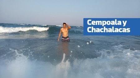 Nadando en la playa de chachalacas