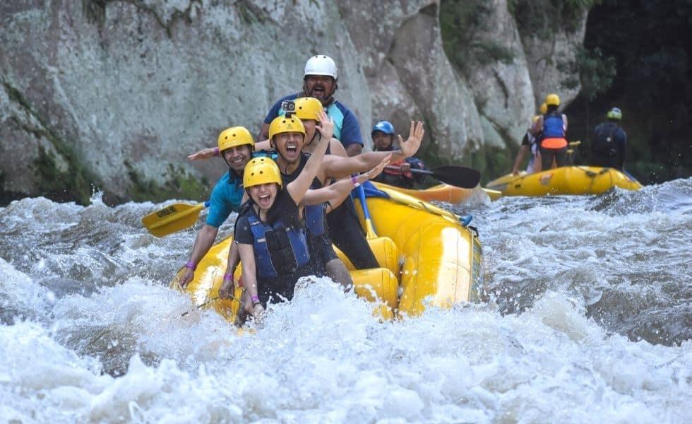 Rafting Por Los Rápidos En Jalcomulco