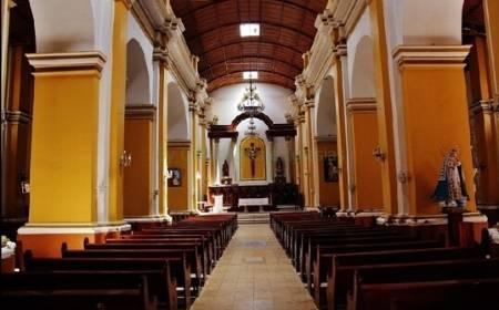 vista del interior de la Iglesia San Juan Bautista